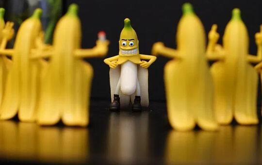 flashing bananas