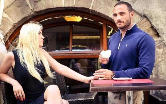 woman and man at cafe